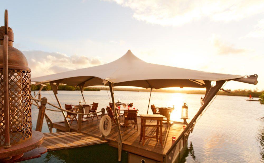 prince-maurice-barachois-floating-restaurant-13
