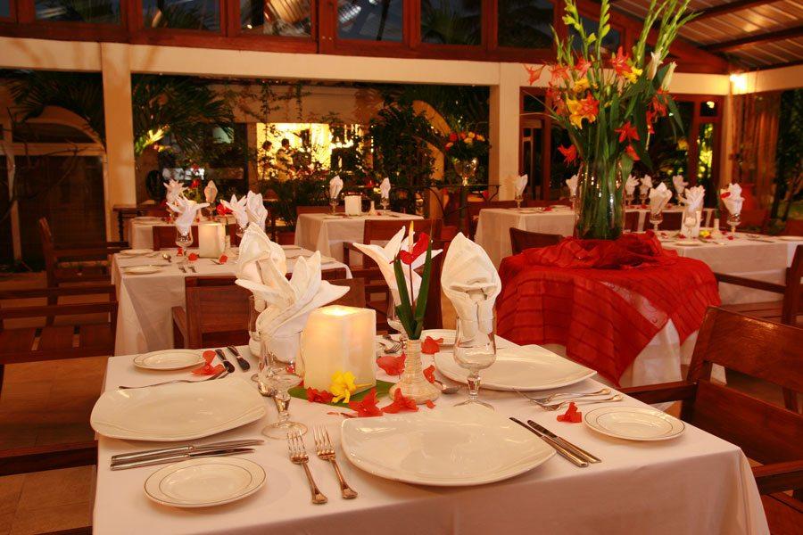 restaurant900x600